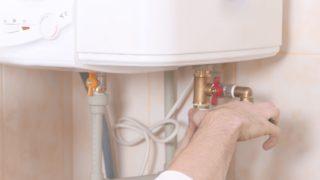 DIYで給湯器を設置